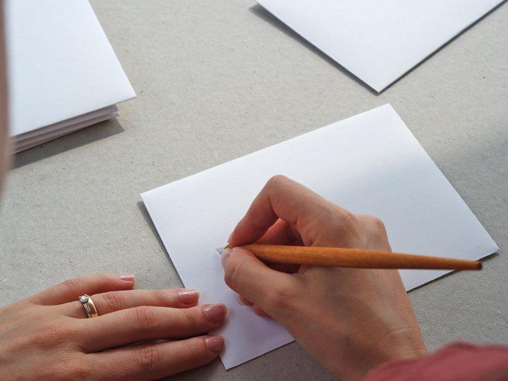 Cosa scrivere nelle buste degli inviti?